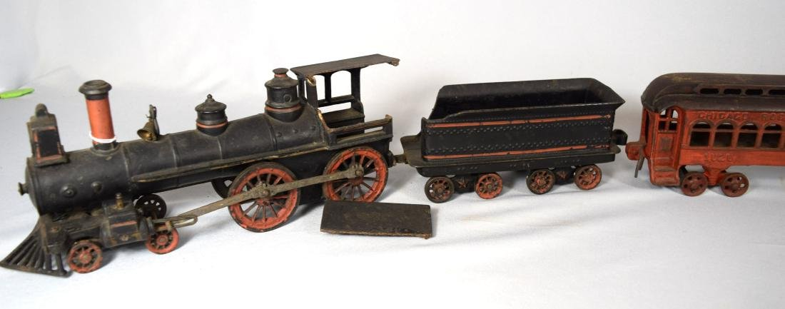 WILKINS CAST IRON FLOOR TRAIN: - 2