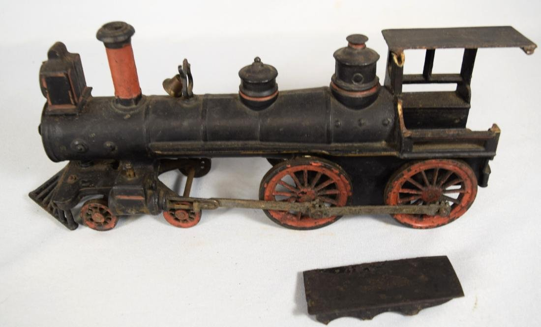 WILKINS CAST IRON FLOOR TRAIN: - 8