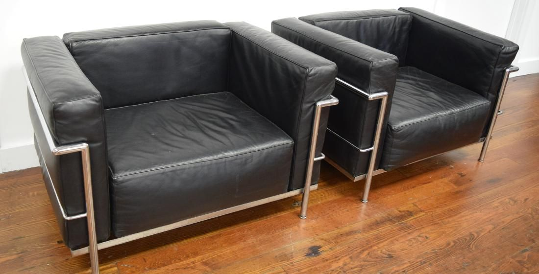 PAIR OF LE CORBUSIER/CASSINA GRAND COMFORT CHAIRS: