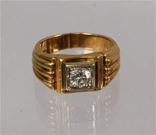MAN'S SINGLE DIAMOND & 14K YELLOW GOLD RING