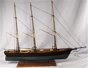 1800s WOODEN SHIP MODEL OF THE WINDWARD