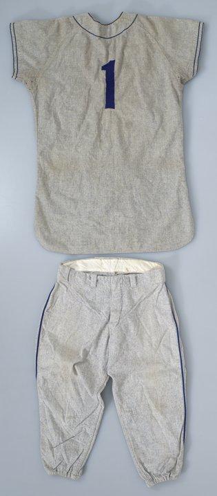 207: 1954 Pee Wee Reese Dodgers Game-Used Uniform - 2