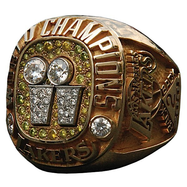 16: 2001 Los Angeles Lakers World Championship Ring