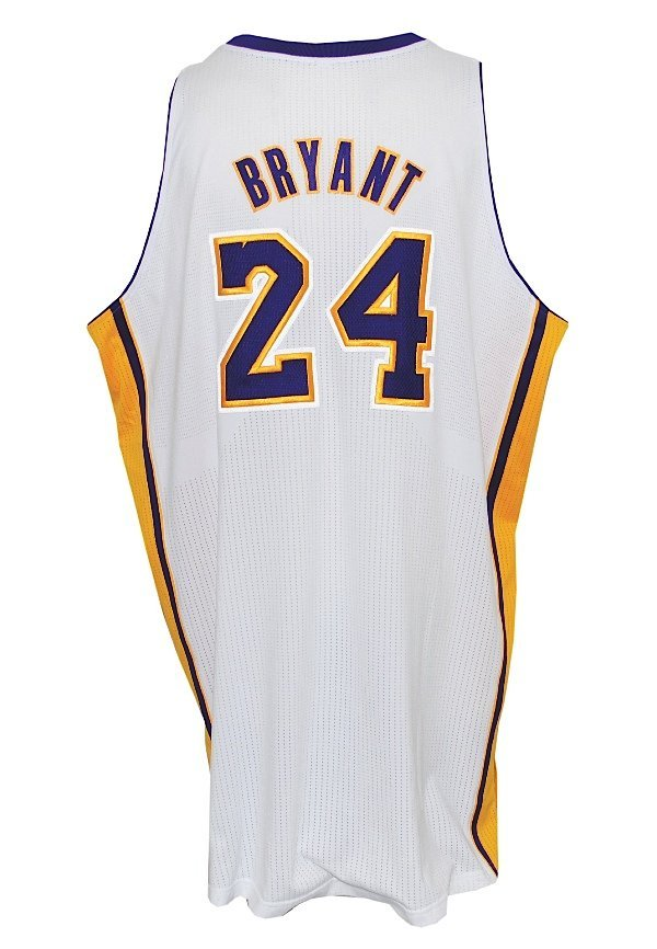113: 2011-12 Kobe Bryant Los Angeles Lakers Game-Used S