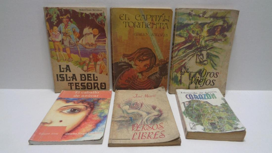 Vintage Spanish Book Collection Jose Marti. Soft Cover