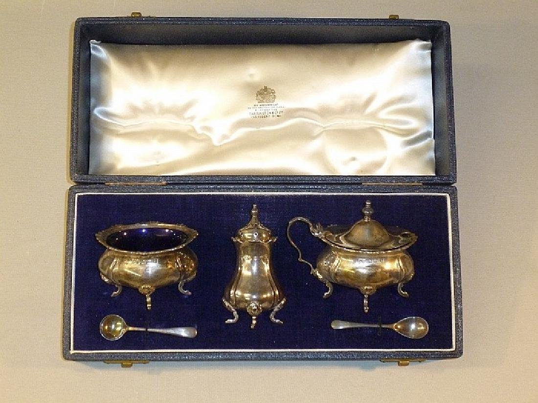 3 PIECE SILVER CONDIMENT SET COMPRISING A SALT, PEPPER