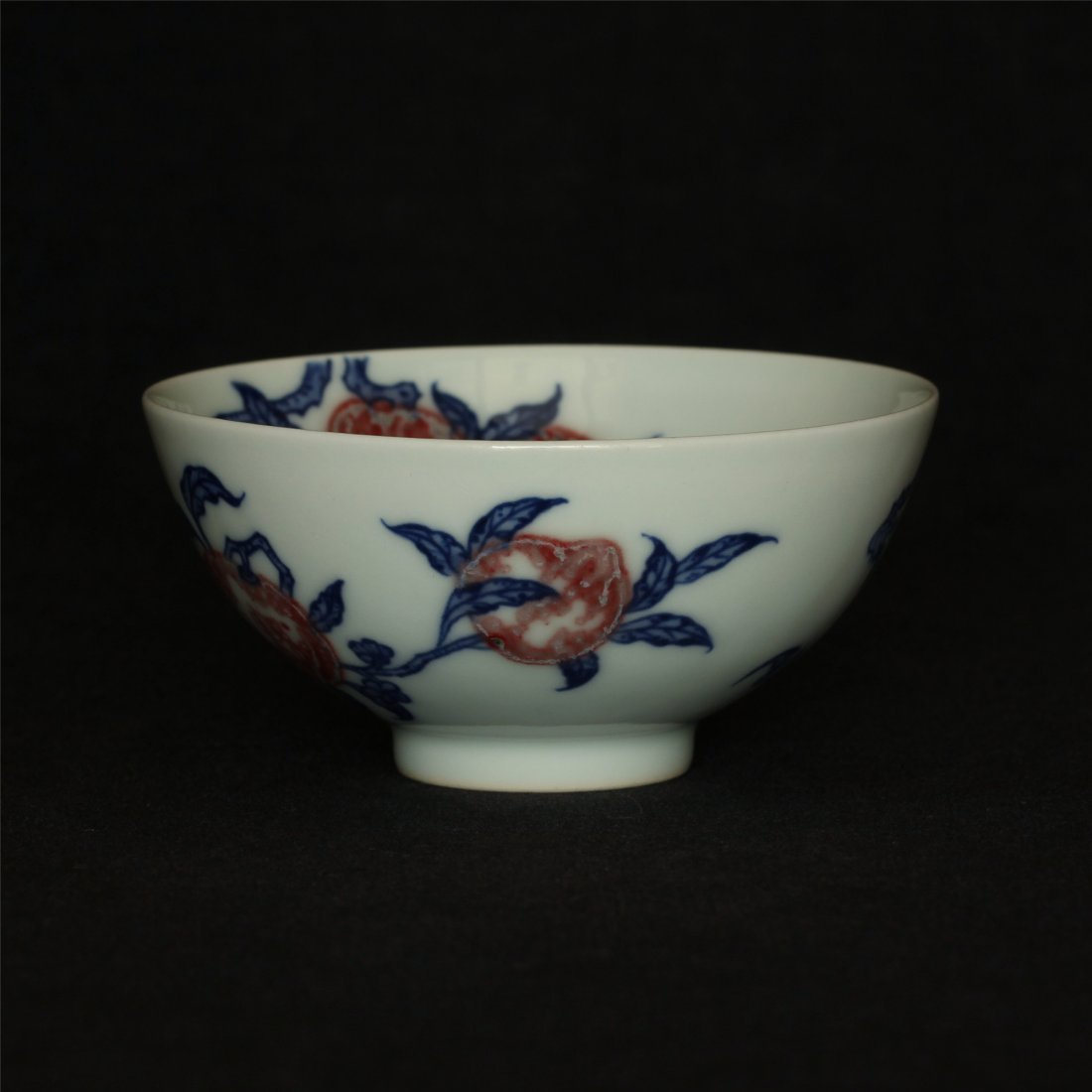Blue and white & underglaze red porcelain cup of Qing