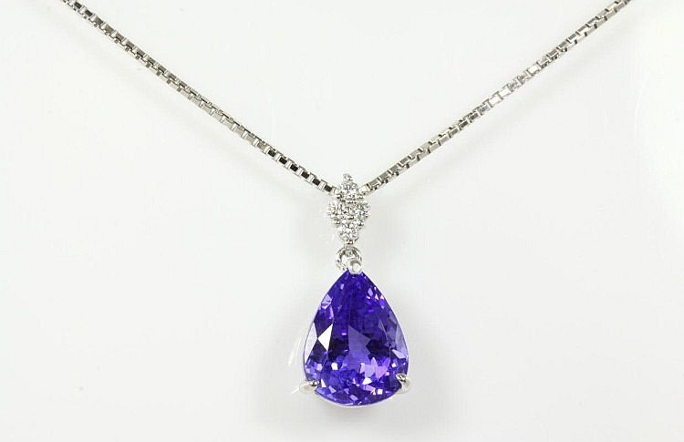 Pear Tanzanite of 5.70ct and Diamond Pendant