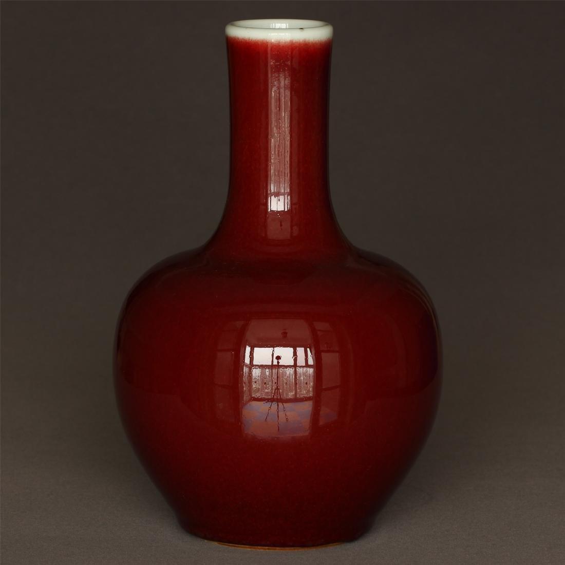 Red glaze porcelain vase of Qing Dynasty KangXi mark. - 4