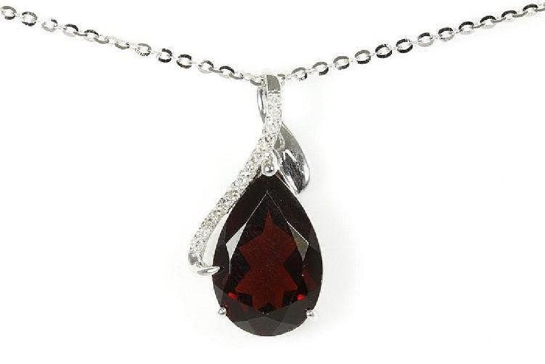Garnet and Diamond pendant with Pear shape Garnet of