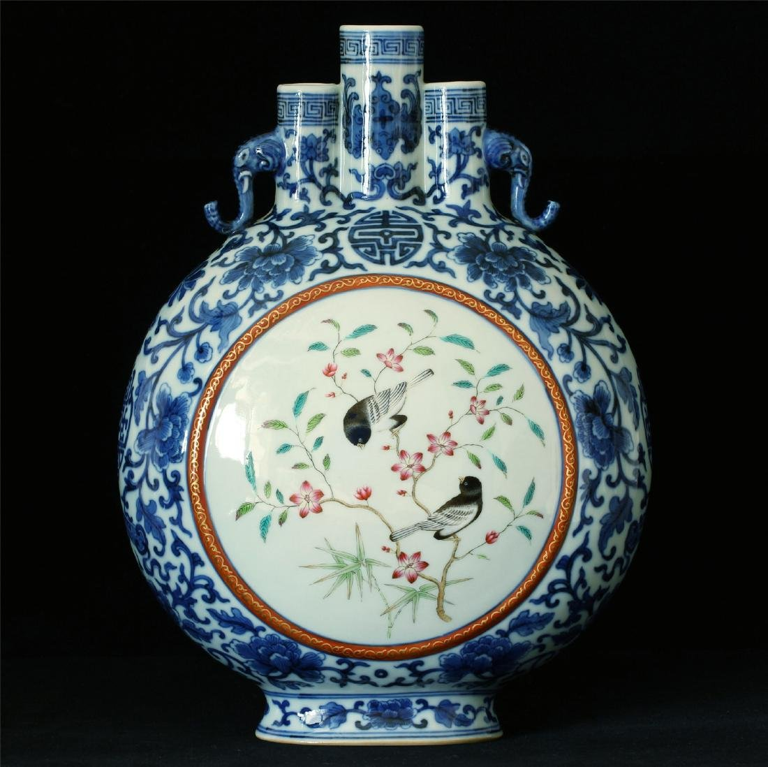 Blue and white & famille rose porcelain vase of Qing