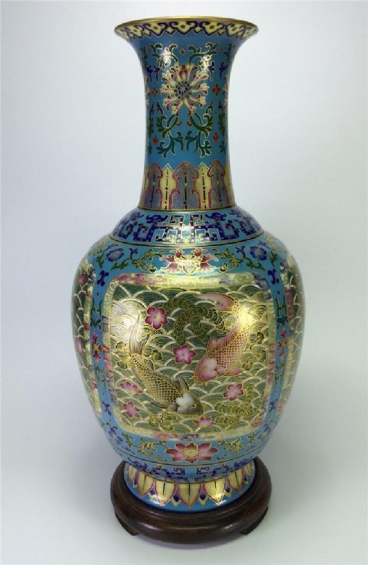 Exquisite gilt enamel porcelain Vase of Qing Dynasty
