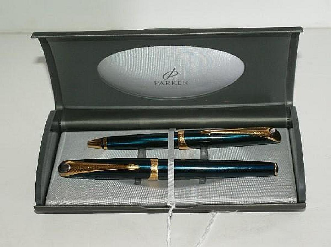 Parker (France) pen set; a fountain pen with 18k nib