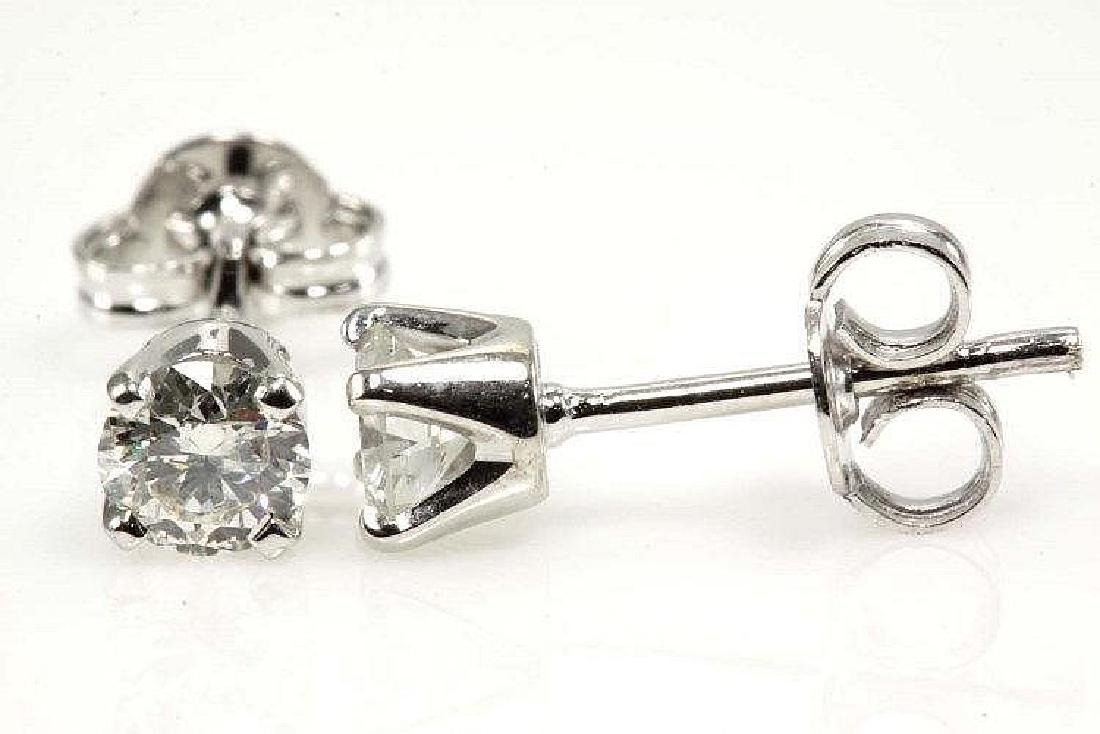 Diamond Stud Earrings with 2 Round Brilliant cut