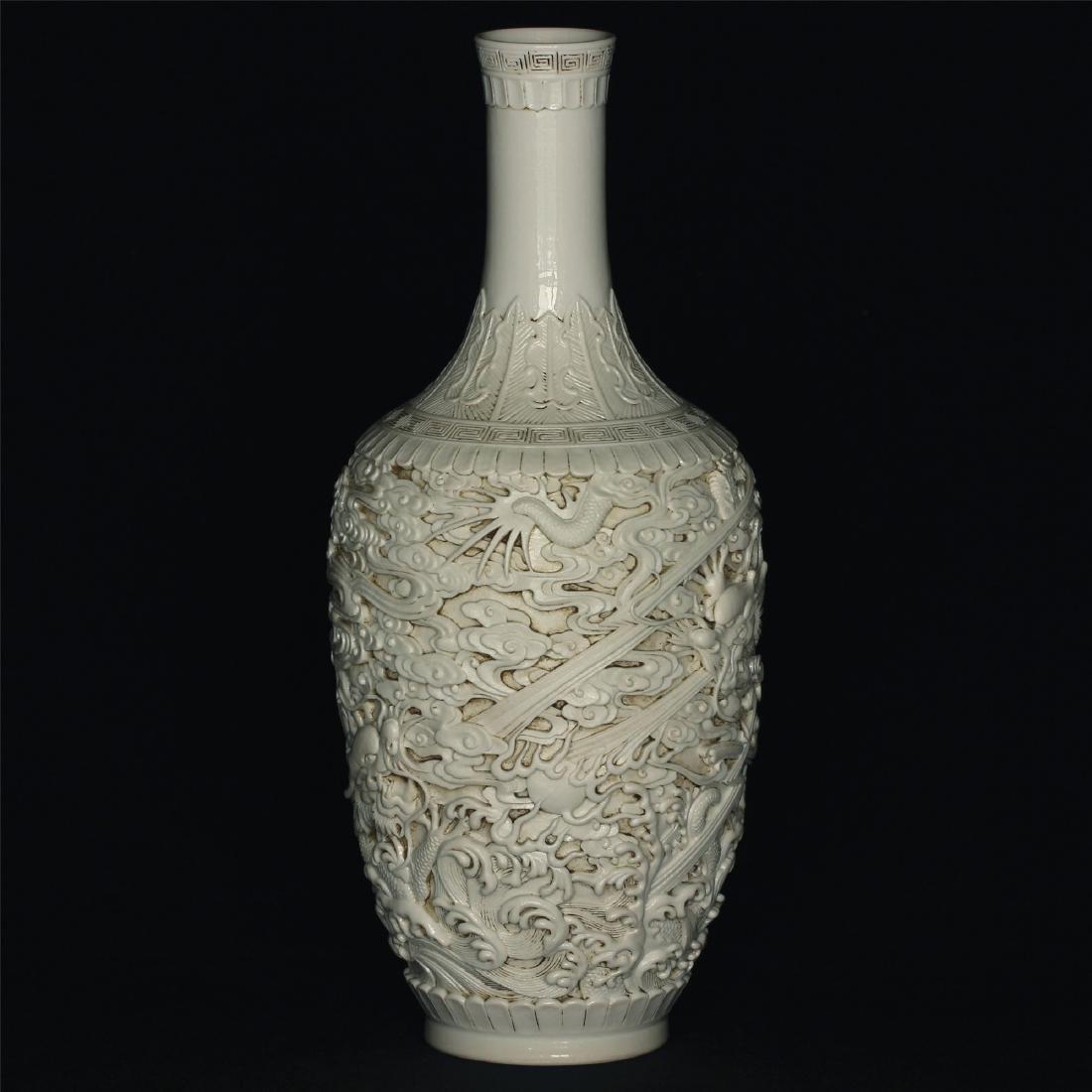 White glaze carving porcelain vase of Qing Dynasty - 10
