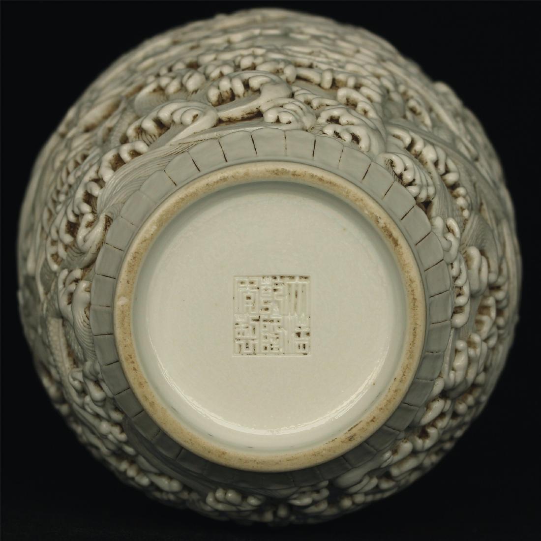 White glaze carving porcelain vase of Qing Dynasty - 2