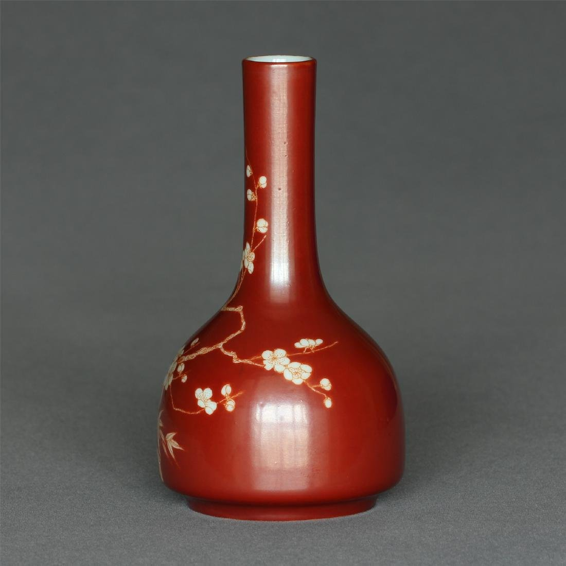 Red color porcelain small vase of Qing Dynasty - 3