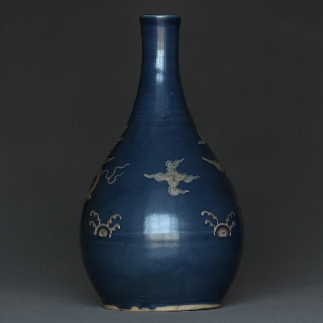 Blue glaze porcelain vase of Ming Dynasty. - 3