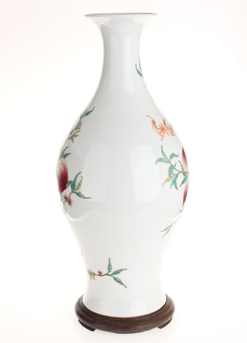Exquisite famille rose porcelain vase of Qing Dynasty - 3
