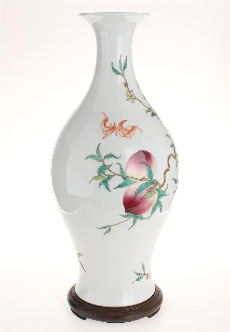 Exquisite famille rose porcelain vase of Qing Dynasty - 4