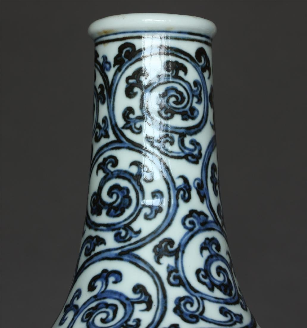 Blue and white porcelain vase of Ming Dynasty XuanDe - 5