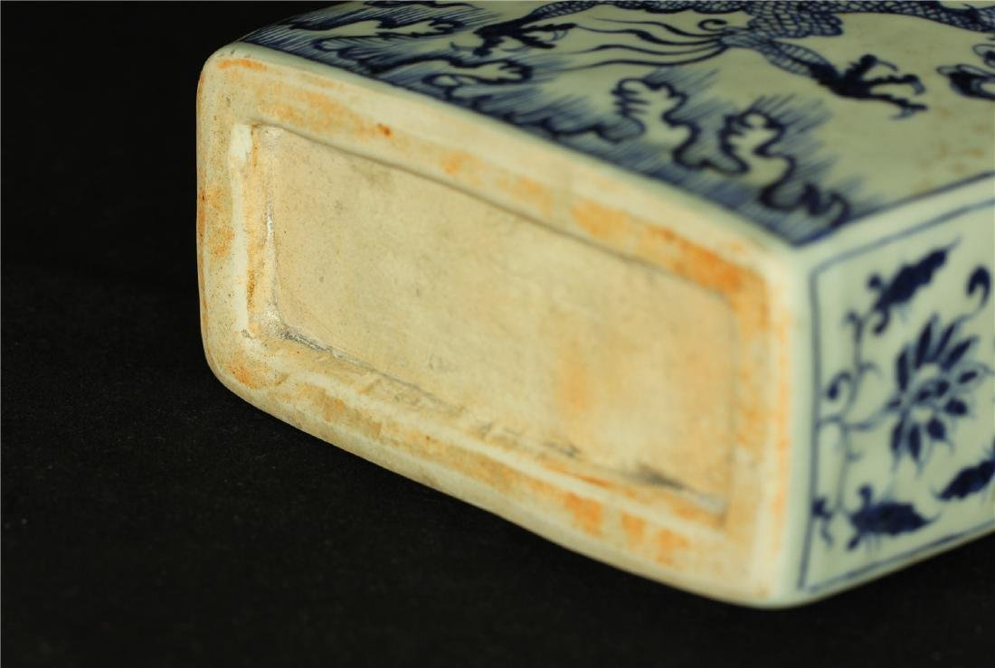 Chinese blue and white porcelain vase of Ming Dynasty. - 7