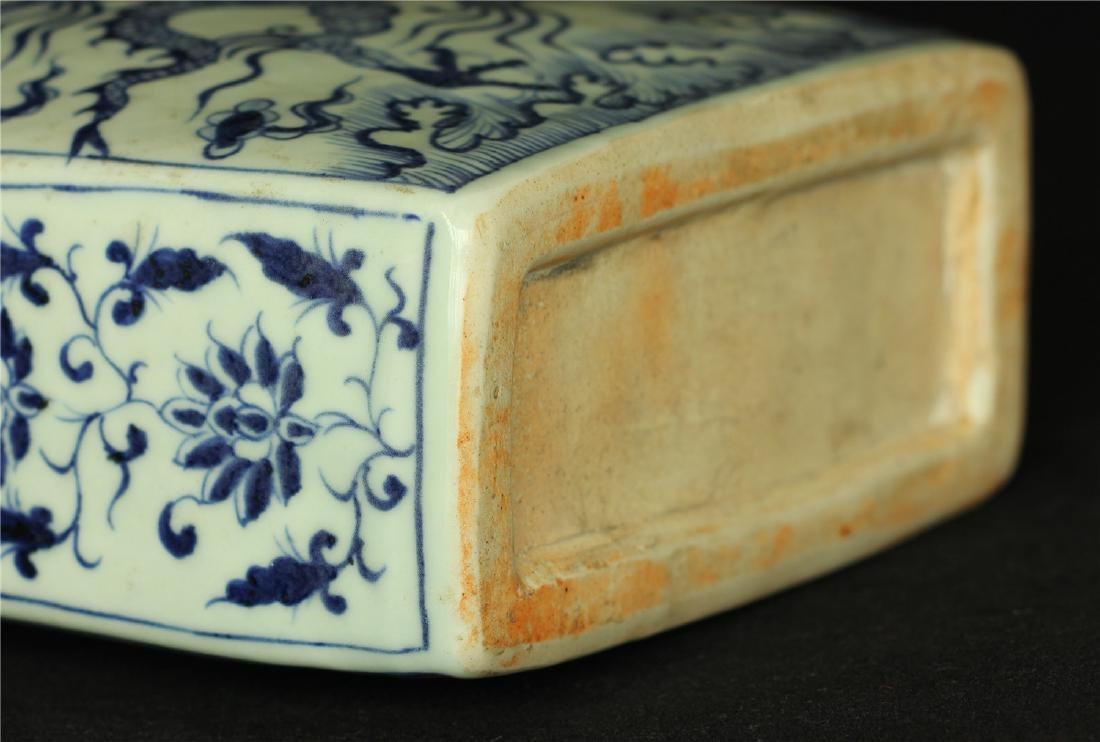 Chinese blue and white porcelain vase of Ming Dynasty. - 8