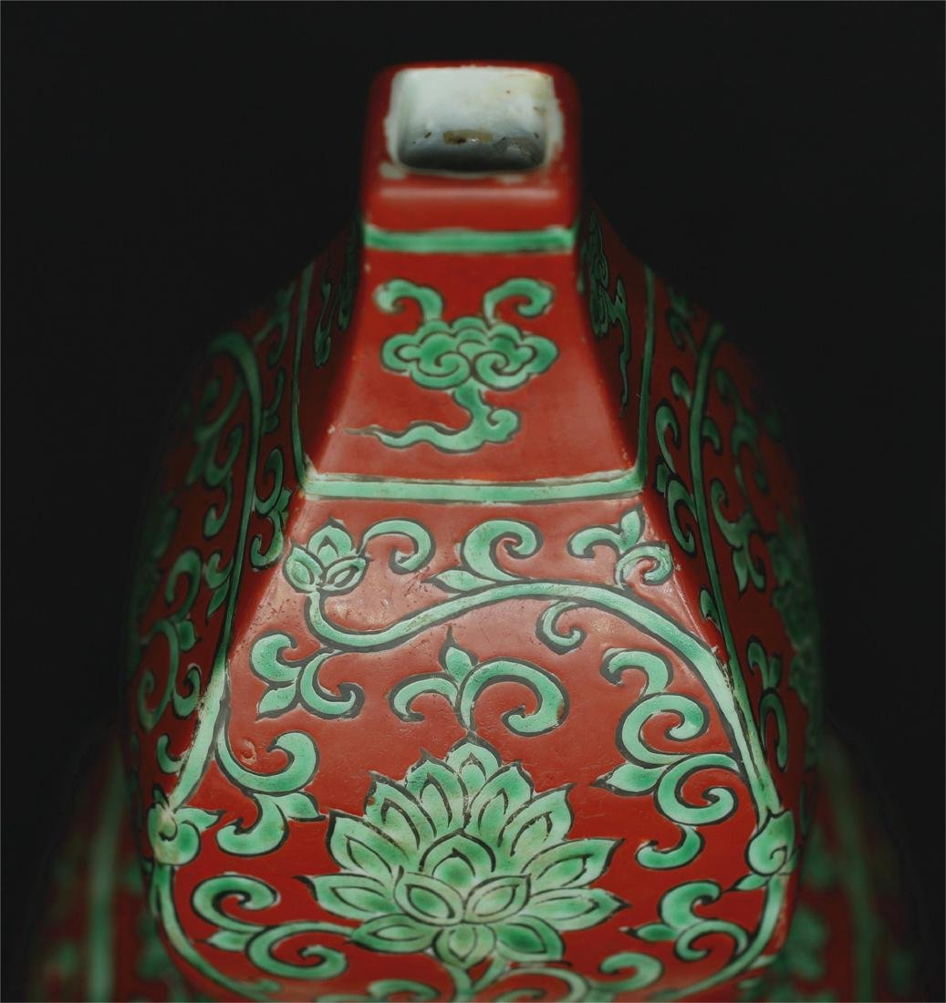 Chinese red & green porcelain vase of Ming Dynasty - 4