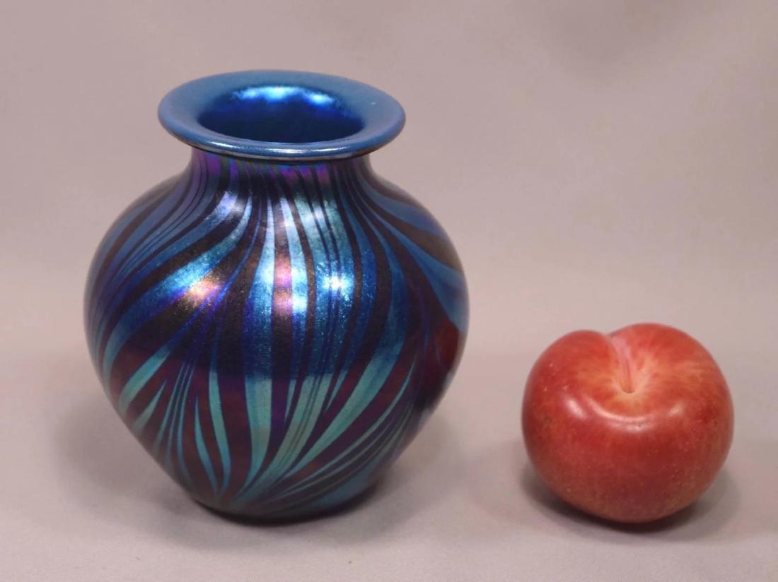 Signed Tim Murray 1979 Hand Blown Iridescent Art Glass - 2