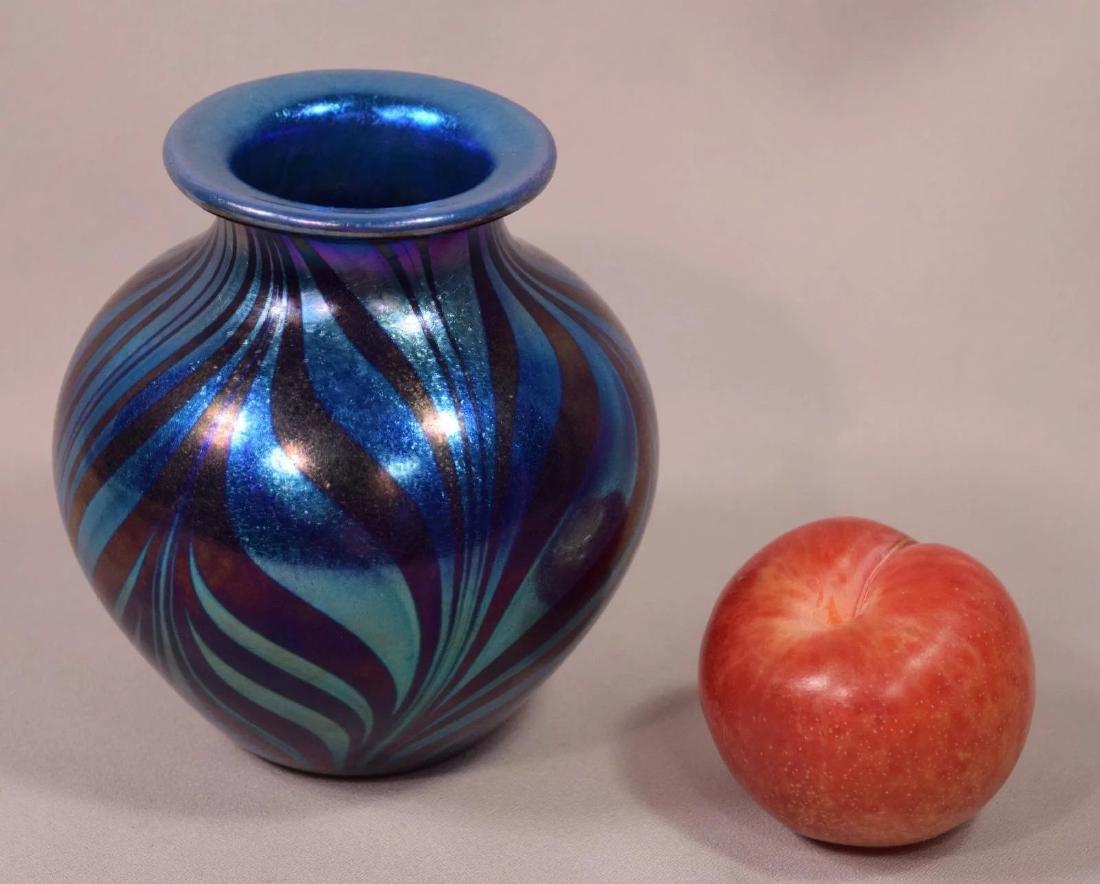 Signed Tim Murray 1979 Hand Blown Iridescent Art Glass - 5