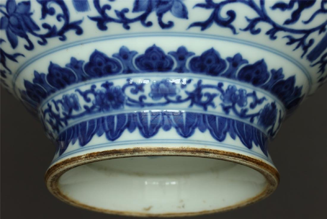 Chinese blue and white porcelain vase of Qing Dynasty - 10