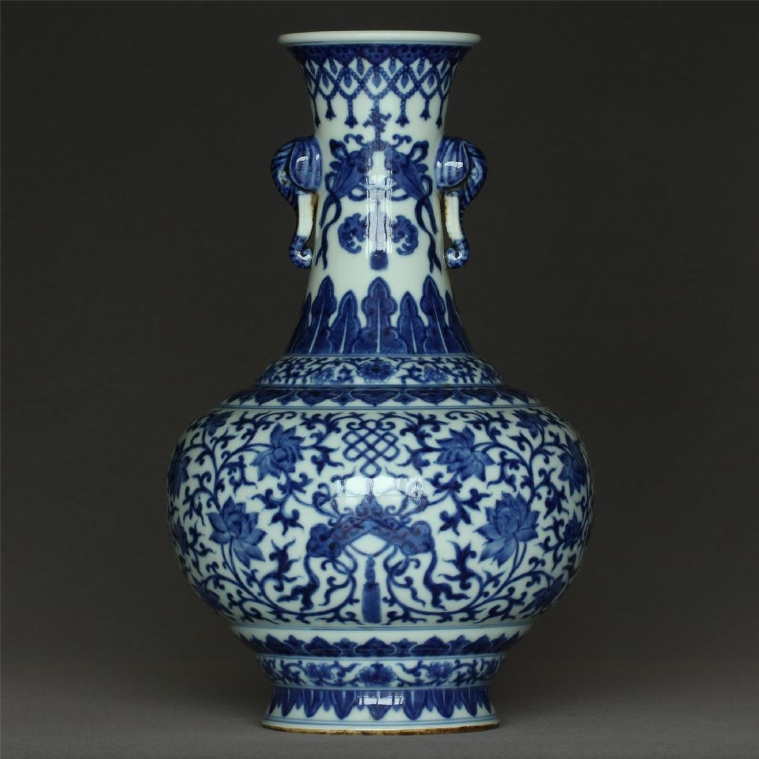 Chinese blue and white porcelain vase of Qing Dynasty - 5