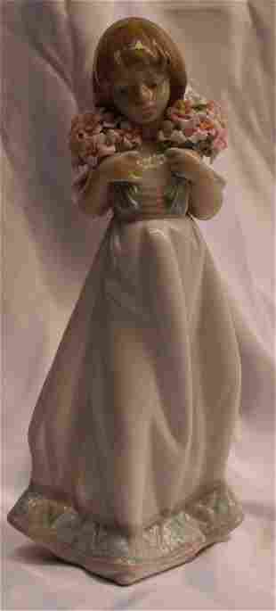 MAGNIFICENT BRAND NEW LLADRO PORCELAIN HAND PAINTED