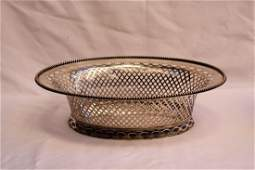 MAGNIFICENT ENGLISH 1900 REPOSE STERLING SILVER BASKET