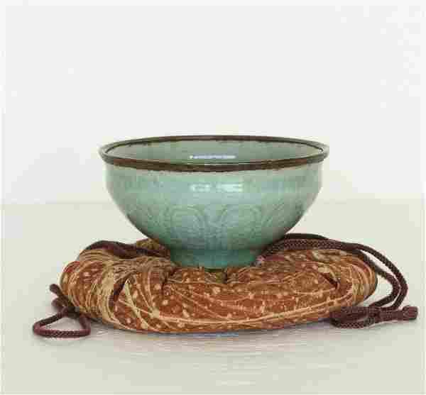 A Chinese LongQuan-Kiln Porcelain Bowl Southern Song
