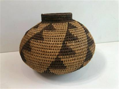 """American Indian Hand Woven Vase Pot, 9"""" Tall, 11"""""""