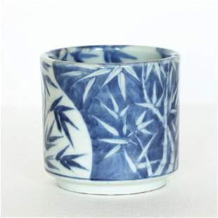 A Chinese blue and white porcelain brush pot, Qing