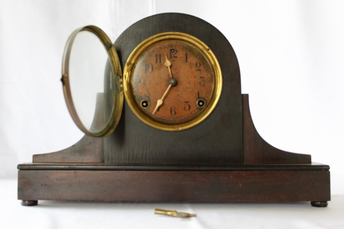 Antique Mantel Shelf Clock With Key by The Sessions - 2