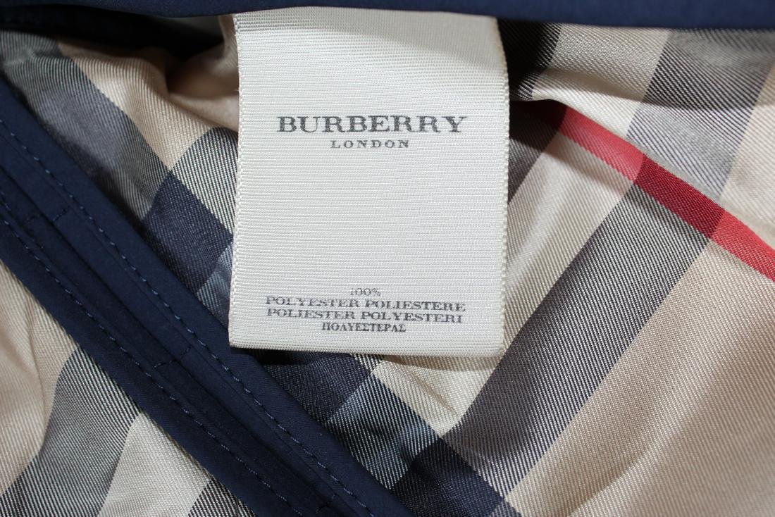 Women's Burberry Amberford Trench Coat in Size 4 - 8