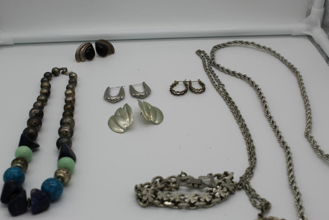 Lot of 8 piece costume jewelry - 3
