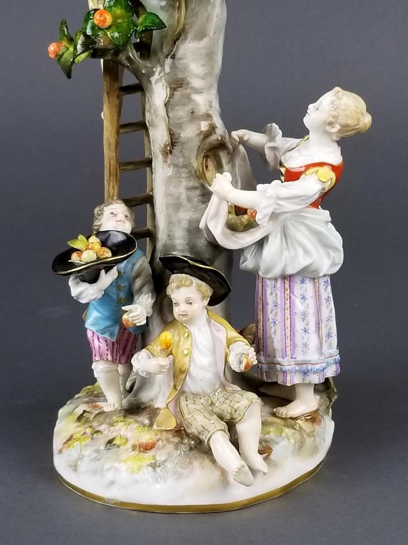 19th C. Meissen Porcelain Figural Group picking Oranges - 7