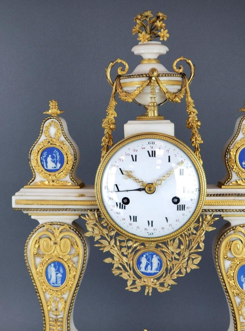 Large French Chinoiserie Bronze & Marble Clock, 19th C. - 2