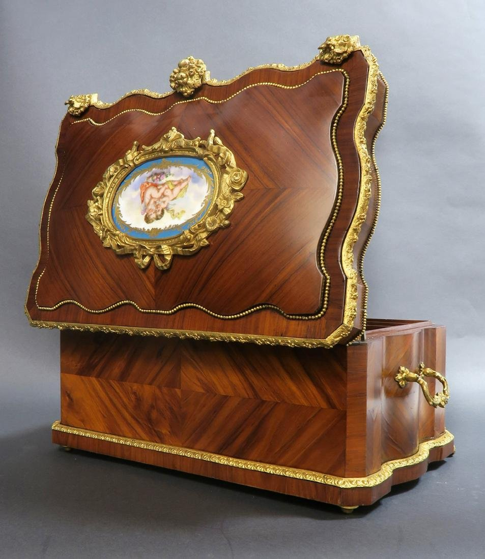 Monumental French Sevres Jewelry Box. 19th C. - 4