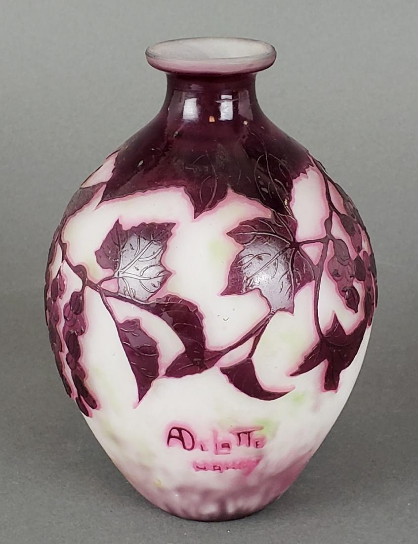 Andre Delatte Nancy Cameo Glass Vase