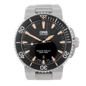 ORIS - a gentleman's Aquis bracelet watch. Stainless