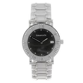 TIFFANY & CO. - a gentleman's Atlas bracelet watch.