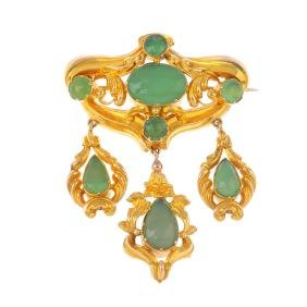 A mid Victorian gold chalcedony brooch. Designed as an
