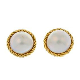 A pair of mabe pearl ear clips. Each designed as a mabe
