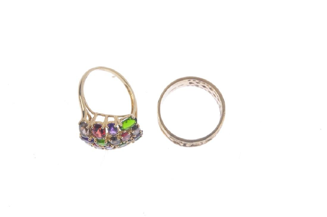 Two 9ct gold dress rings. To include a diopside, - 2