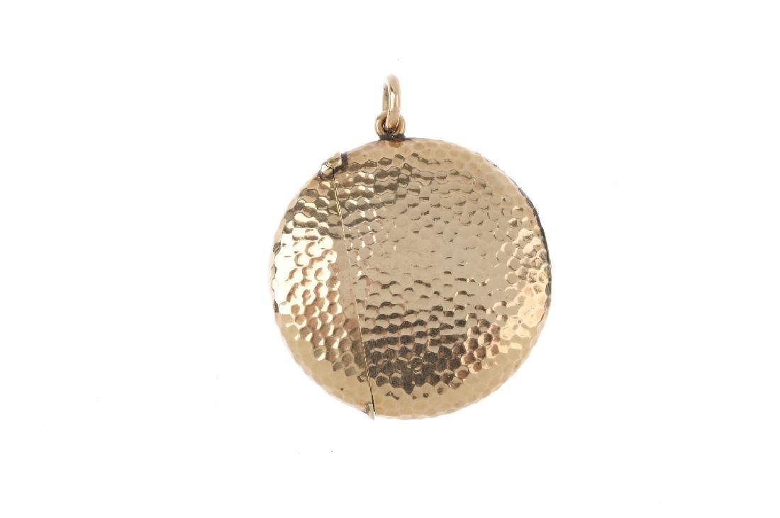 An Edwardian 9ct gold vesta case. Of circular outline, - 2